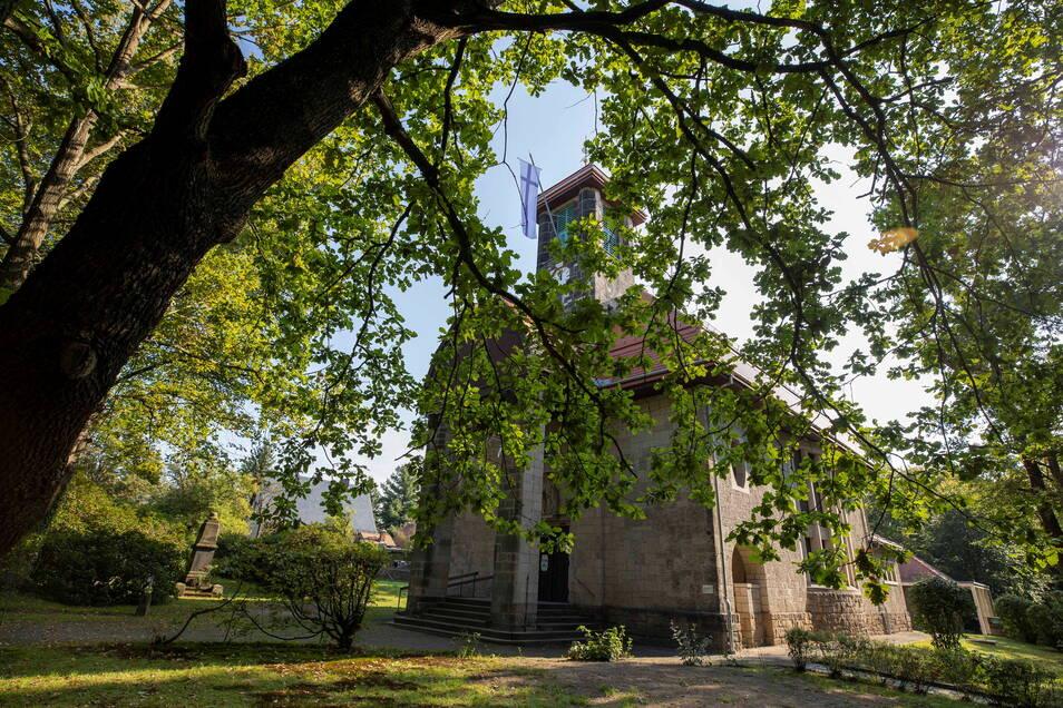 Dach und Glockenstuhl der Graupaer Kirche wurden saniert.