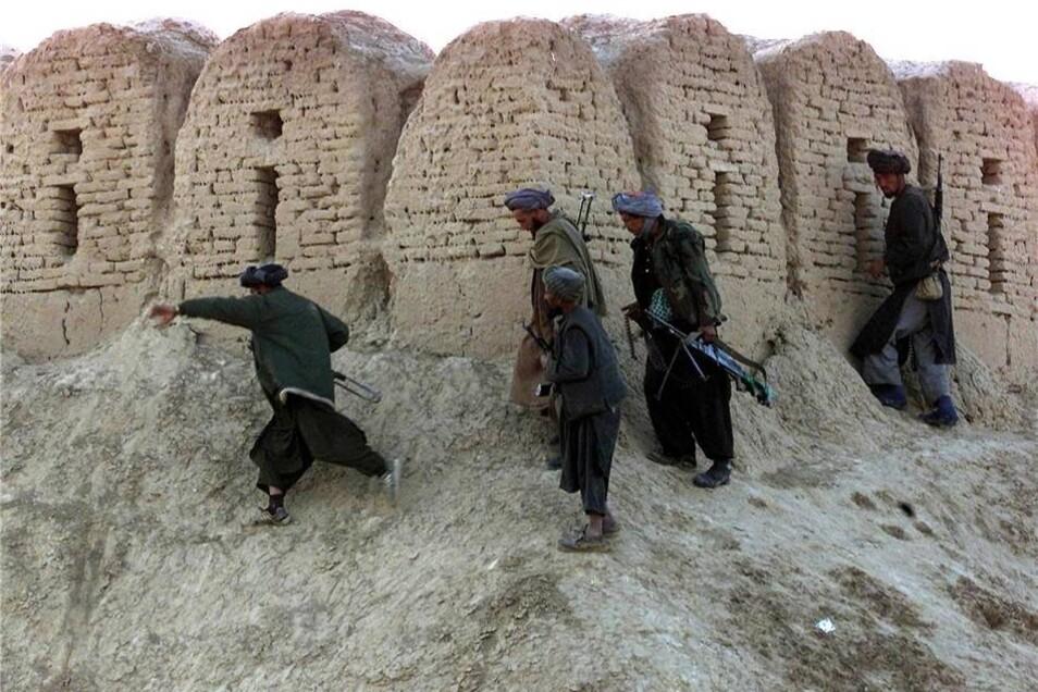 Im November 2001 versuchten Kämpfer der sogenanntern Nordallianz mit Unterstützung der US-Luftwaffe das Gefängnis von Masar-e Scharif zu stürmen.