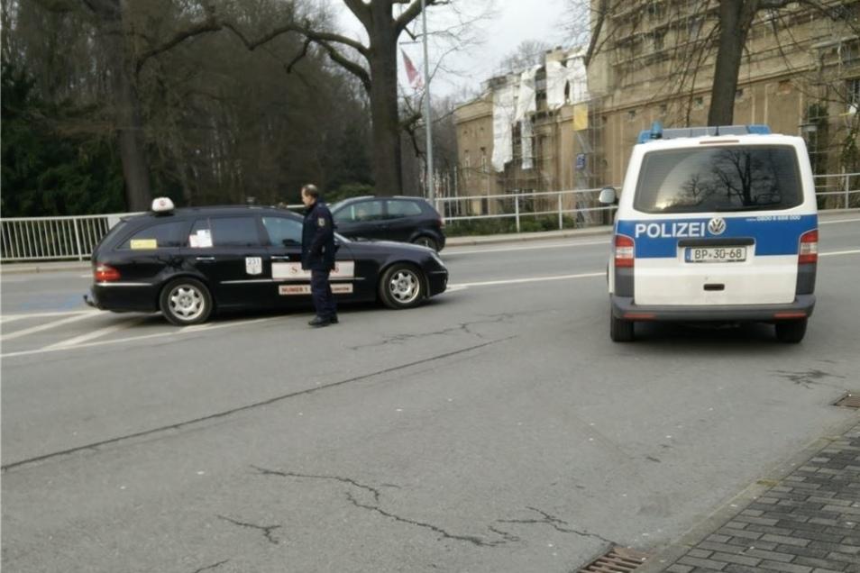 Die Bundespolizei kontrollierte heute Fahrzeuge mit polnischen Kennzeichen an der Stadtbrücke.