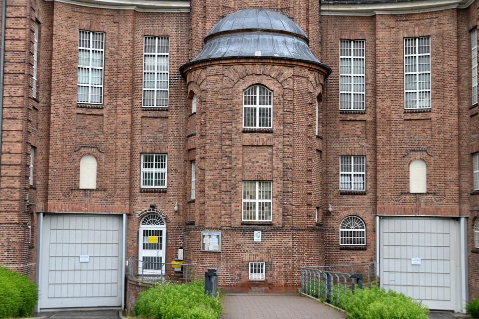 Die Justizvollzugsanstalt Kiel. Hier verbüßt der Verdächtige im Fall Maddie derzeit eine Haftstrafe.