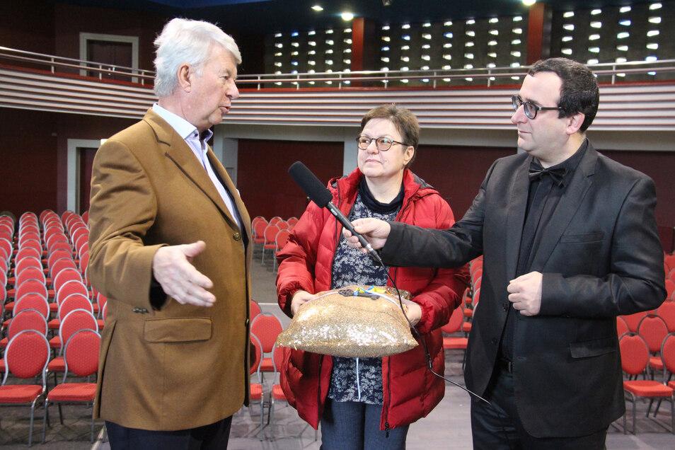 """Erst Papageienzüchter, dann Anlageberater und Netzwerker, jetzt Chef von Ostsachsen-TV: Der Hesse David Vandeven (rechts) will mithelfen, damit in Bautzen Meinungen zu hören sind, """"die sonst ausgeblendet werden""""."""
