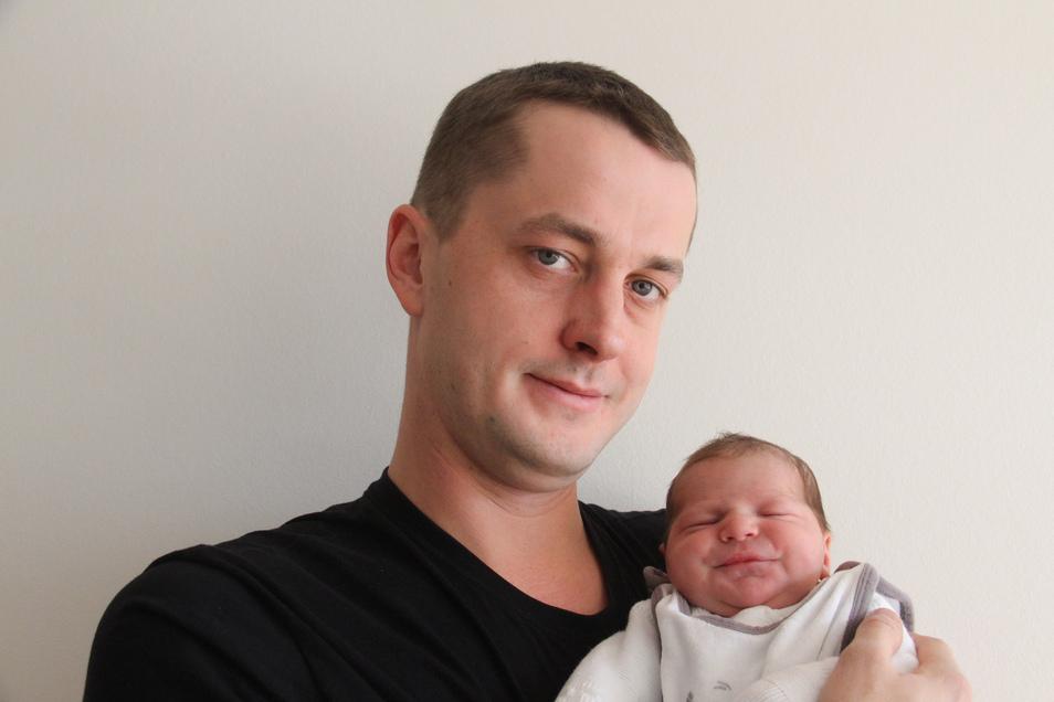 Lukas Geboren am 26. Januar Geburtsort Bautzen Gewicht 3.990 Gramm Größe 54 Zentimeter Eltern Melanie Pöthe und Felix Krupper Wohnort Bautzen
