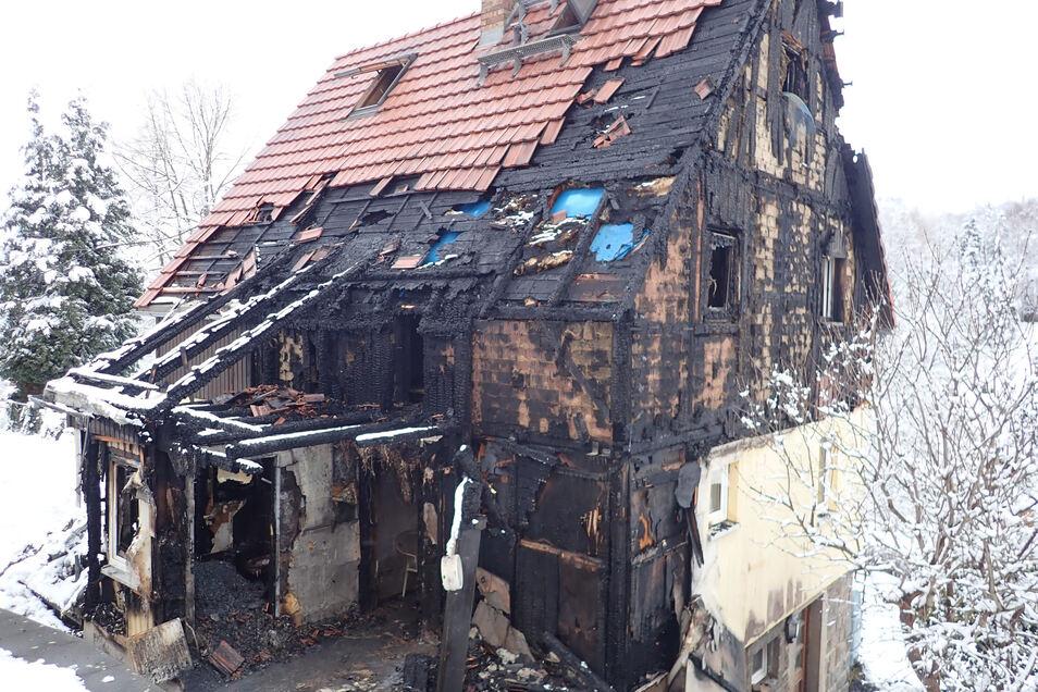Das Haus ist unbewohnbar. Foto: Dirk Zschiedrich