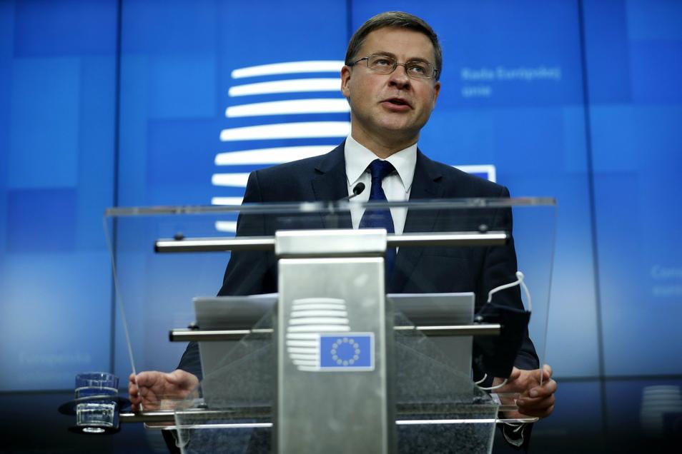 """Laut EU-Kommissionsvize Valdis Dombrovskis hat China die nötigen """"substanziellen Zusagen"""" in drei zentralen Punkten geleistet: Marktzugang, fairer Wettbewerb und nachhaltige Entwicklung."""