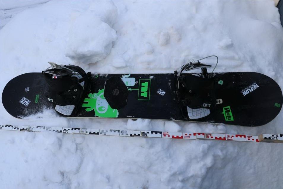 Die Polizei sucht den Eigentümer dieses Snowboards, das in Bautzen gefunden wurde.