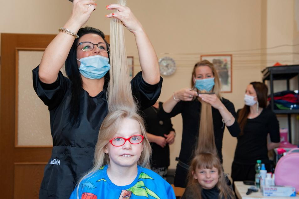 Im Mai vorigen Jahren frisierten Zabeltitzer Friseusen die Kinder vom Kinderheim Walda kostenlos.