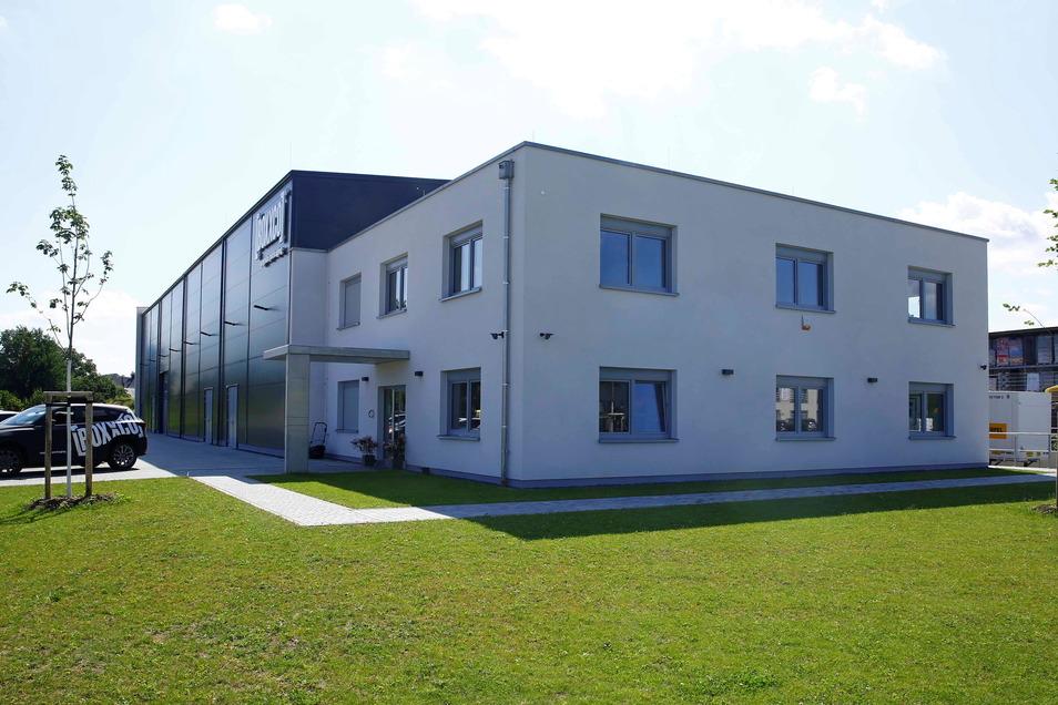 Modern und funktional: Im Gewerbegebiet in Königsbrück entstand das neue Gebäude der Verpackungsfirma.