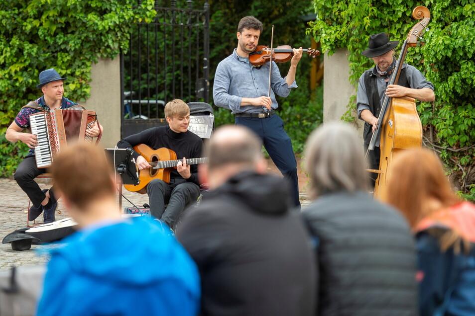 Die Musiker von Krambambuli waren im vorigen Jahr bereits bei der Radebeuler LebensART dabei und spielen bei der Fête de la Musique.