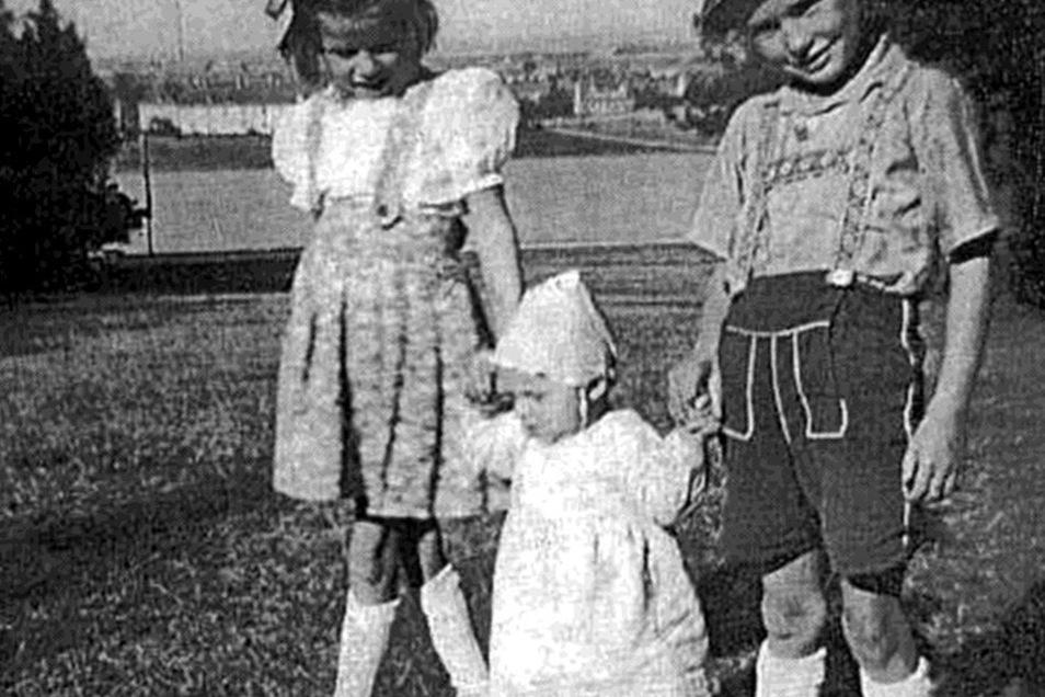 Werner als Junge mit den Schwestern Christine und Monika
