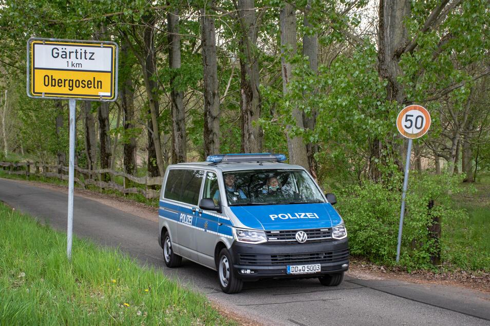 Die Polizei kontrolliert derzeit vermehrt in den Ortsteilen von Großweitzschen, die derzeit stark von Lkws durchquert werden. Es sind Alternativ-Routen zur Umleitung der B 169.