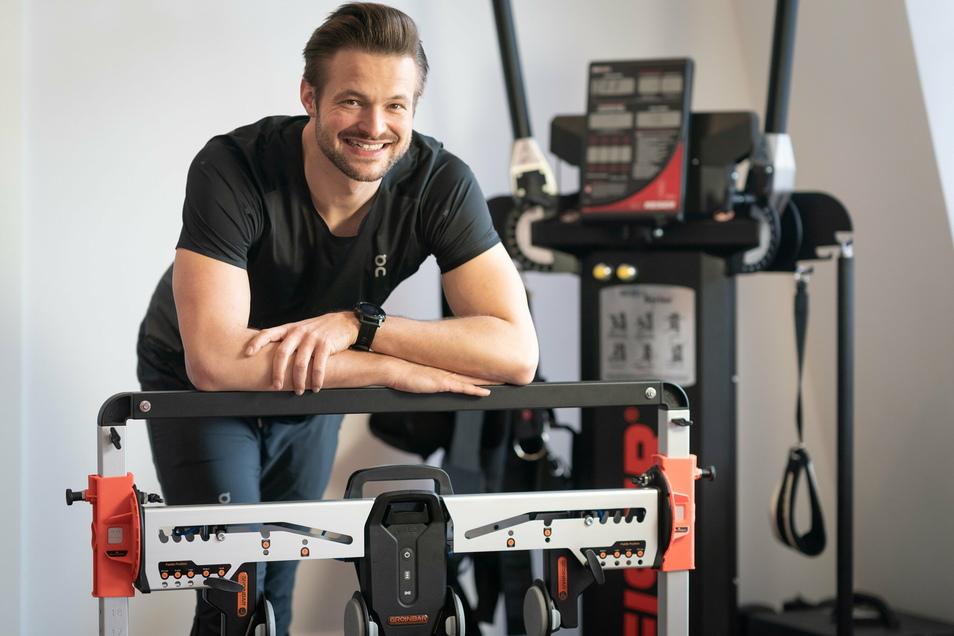 Frank Friedl hat den Master als Sportphysiotherapeut und sich in Dresden in einer Privatpraxis mit Bewegungslabor selbstständig gemacht.
