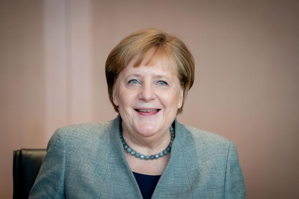 Bundeskanzlerin Angela Merkel (CDU) kommt nach Dresden.