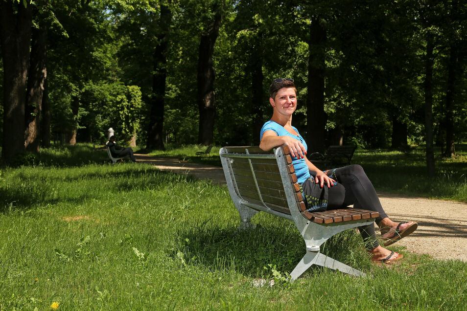 Susanne Braune am Hauptweg im Stadtpark: Am Wochenende soll es auf der großen Wiese nebenan ein fröhliches Stelldichein geben.