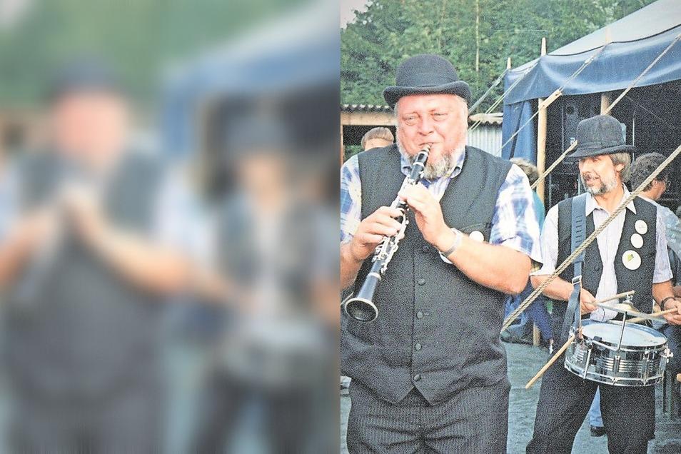 Eine Dixieland-Band aus Cottbus 1994 am Skiheim. Sie gehörte zu den Stimmungsmachern bei den Spreequellfesten, die von 1994 bis 2001 stattfanden.