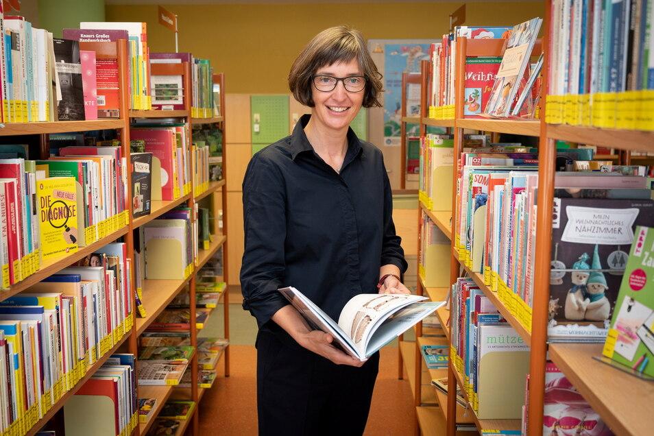 Marit Kunis-Michel, Direktorin der Städtischen Bibliotheken. Am Ausleihverhalten der Dresdner konnte sie erkennen, wo diese im Sommer Urlaub gemacht haben.