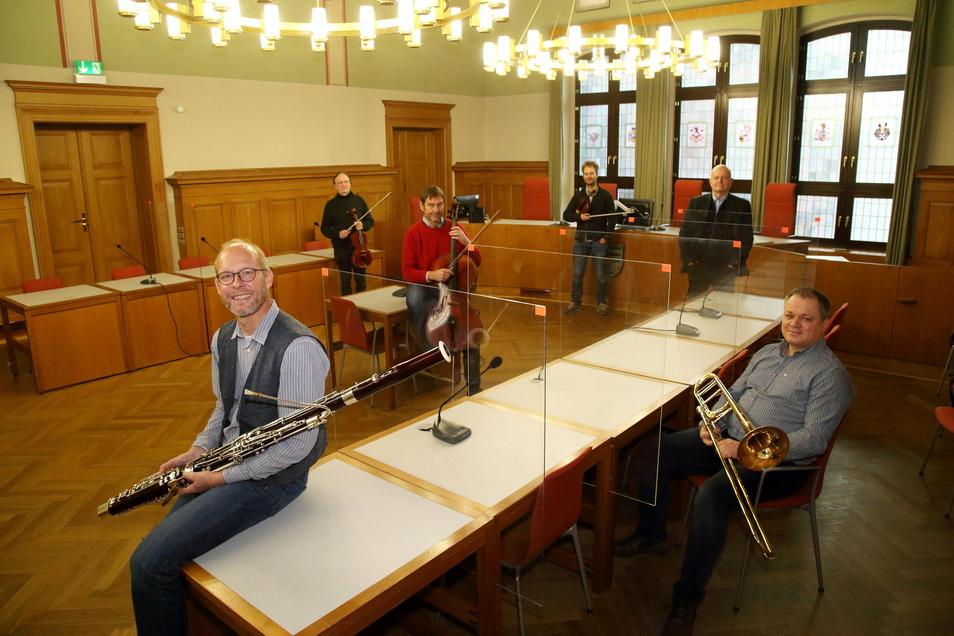 Am Donnerstag geben die Musiker von Philmehr! ein Konzert im Schwurgerichtssaal des Görlitzer Landgerichts, das im Livestream übertragen wird.