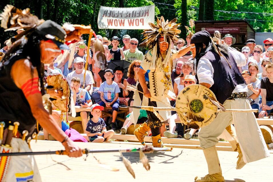 Im Jahr 2019 tanzten noch echte Apachen am Fuße des Kleinen Steins:
