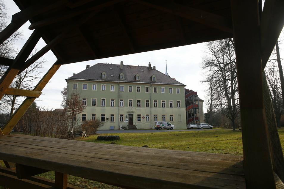 Was wird aus dem Schloss und dem historischen Ortskern in Brauna? Dazu lässt die Stadt Kamenz jetzt eine Studie erstellen.