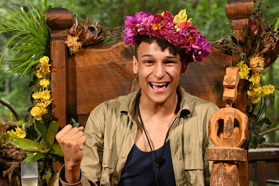 """Dschungelcamp-Gewinner Prince Damien kurz nach der """"Krönung""""."""