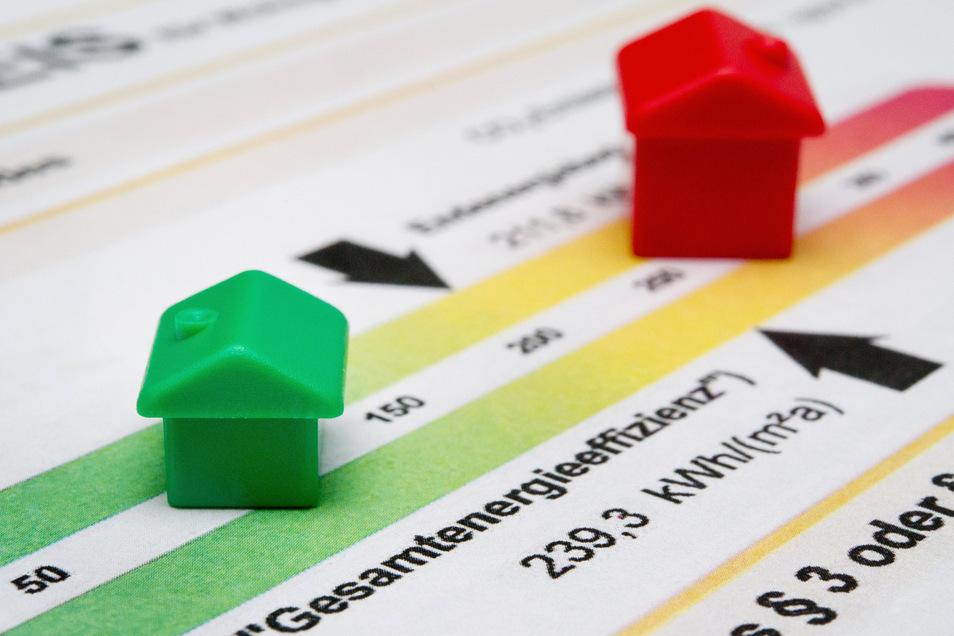 Wer eine Immobilie kauft oder mietet, hat ein Anrecht darauf, den Energieausweis des Gebäudes zu sehen.