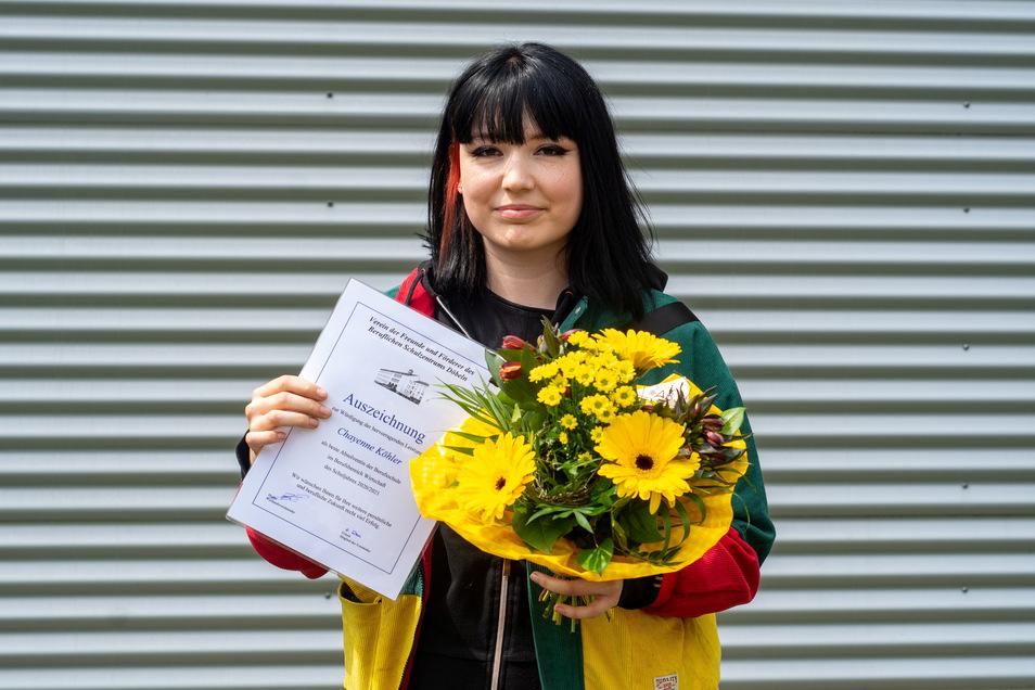 Chayenne Köhler (24) ist jetzt Kauffrau im Einzelhandel. In einer verkürzten Lehrzeit am BSZ Döbeln hat sie einen Durchschnitt von 1,1 erreicht und arbeitet nun bei der Firma Wreesmann in Großvoigtsberg.