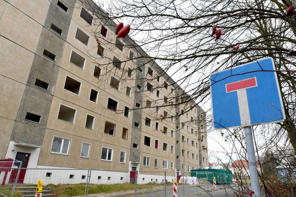 Abriss im Neubaugebiet Oberland in Ebersbach.