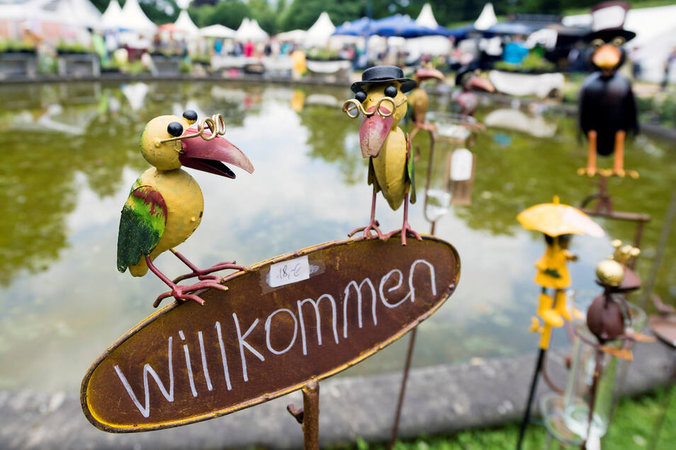Der Herbstzauber ist bereits zum sechsten Mal im Schlosspark von Großharthau zu Gast. Exklusives, Seltenes, Kulinarisches und Ausgefallenes gehören zur Herbstauflage der Messe Lebensart .