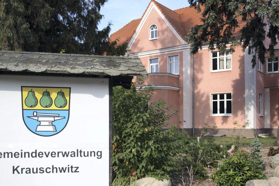 Im Gemeindeamt Krauschwitz ist die Stelle des Hauptamtsleiters zu besetzen. Die Ausschreibung erfolgt bald. Findet sich kein Bewerber, wird eine EDV-Stelle angeboten.