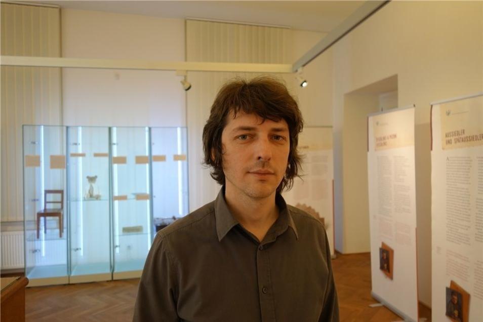 Tomas Okurka in den Räumen des Stadtmuseums Usti. Er führt als Interimsleiter das Collegium Bohemicum, das die Ausstellung vorbereitet.
