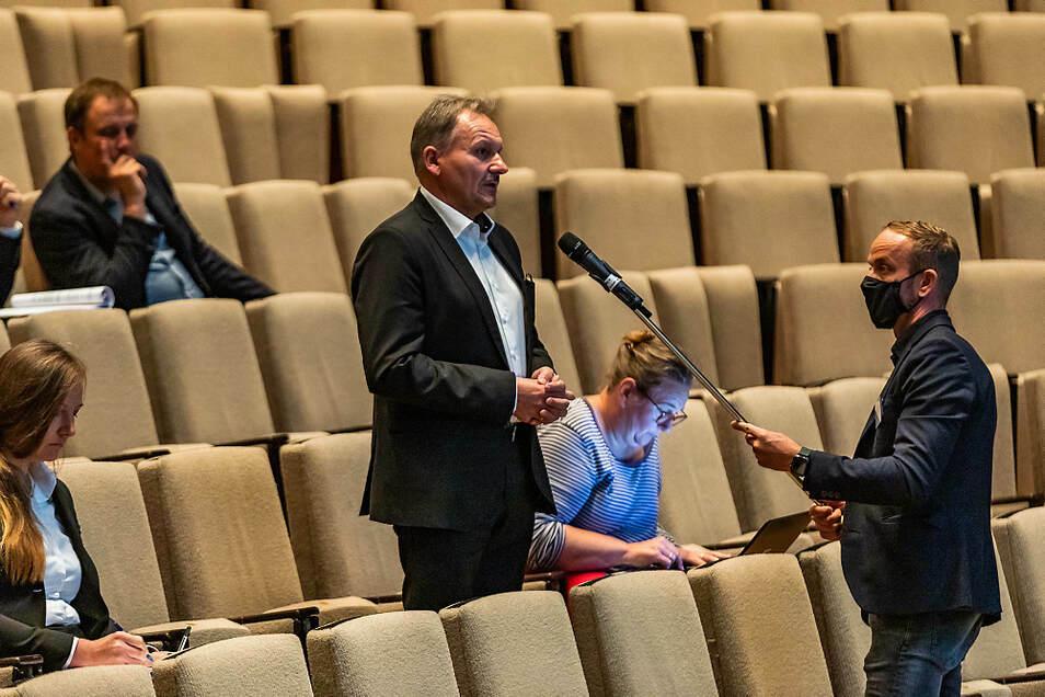 Der Trebendorfer Bürgermeister Waldemar Locke (CDU) war unter den Teilnehmern der Konferenz in der Lausitzhalle in Hoyerswerda.
