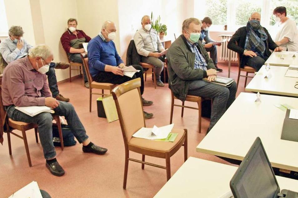 Ratssitzung und Corona: Mundschutz- und Abstandspflicht für alle.
