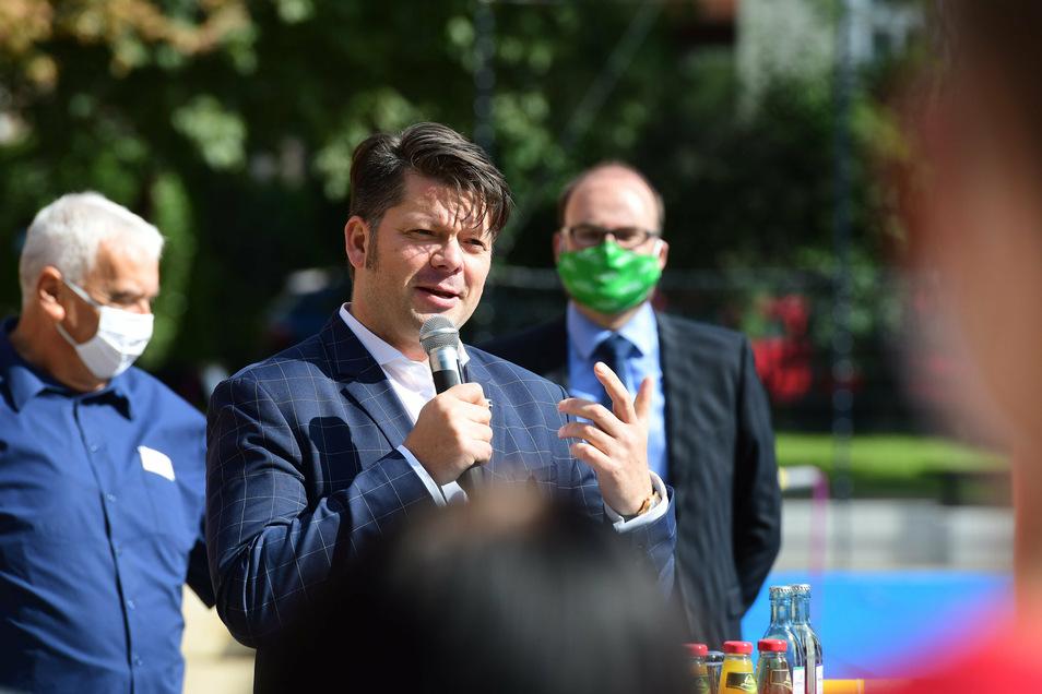 Oberbürgermeister Thomas Zenker (Zkm) dankte dem Freistaat für die Förderung und den Baufirmen für ihre Arbeit.
