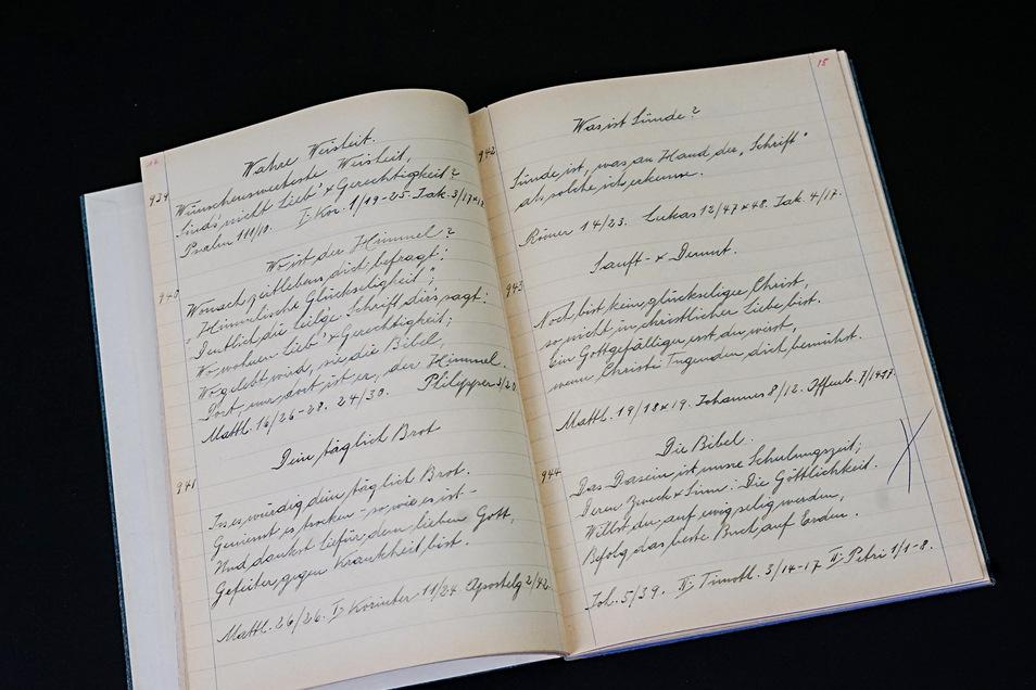 """Handgeschriebene Texte enthält die """"Verse-Sammlung"""" von Arnold Kegel. Das Buch wurde Anfang Juni in Bautzen gefunden."""