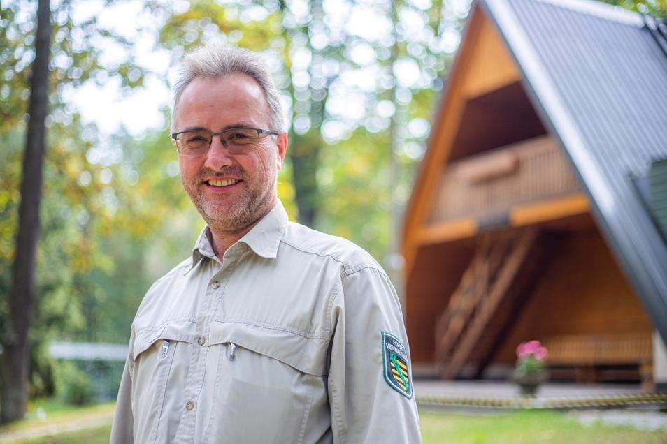 Vor 30 Jahren hat Sachsenforst das Waldschulheim in Stannewisch übernommen. Seit dieser Zeit ist Ralf Eichler der Leiter der forstlichen Schulungsstätte.