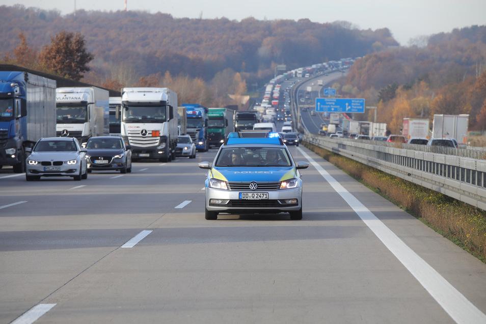 Hier auf der A4 zwischen dem Dreieck-Nossen und dem Dreieck Dresden-West befindet sich die schlimmste Staustelle auf Sachsens Autobahnen.