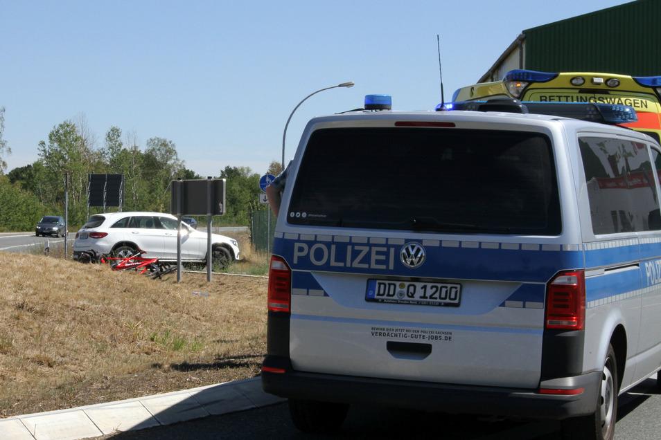 Bei dem Unfall Kreisel in Schweta kam es Zusammenstoß zwischen Pkw und Fahrrad.