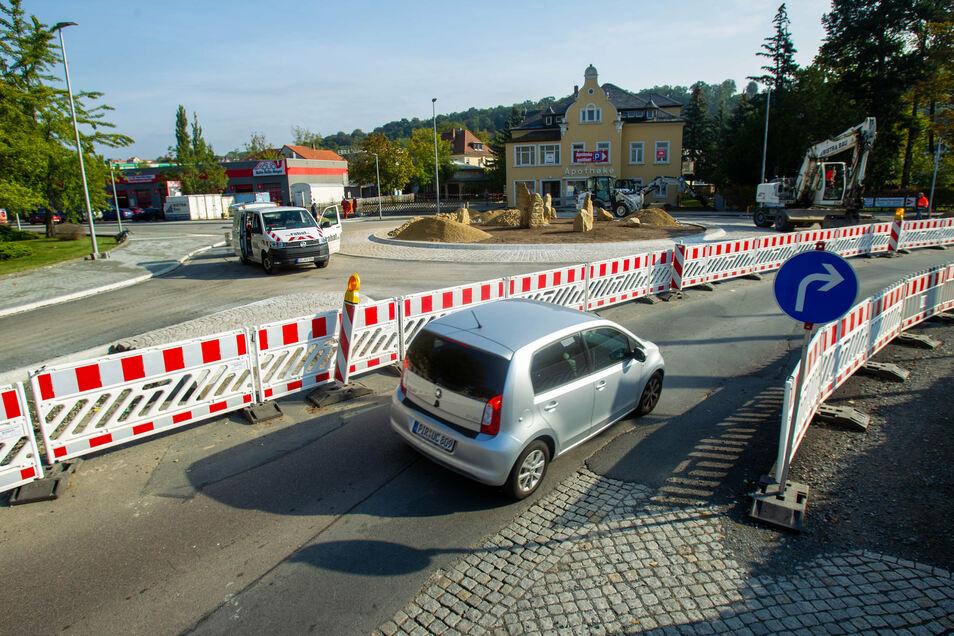 Neuer Kreisel an der Rottwerndorfer Straße: Apotheke und ATU sind in Kürze wieder direkt erreichbar.