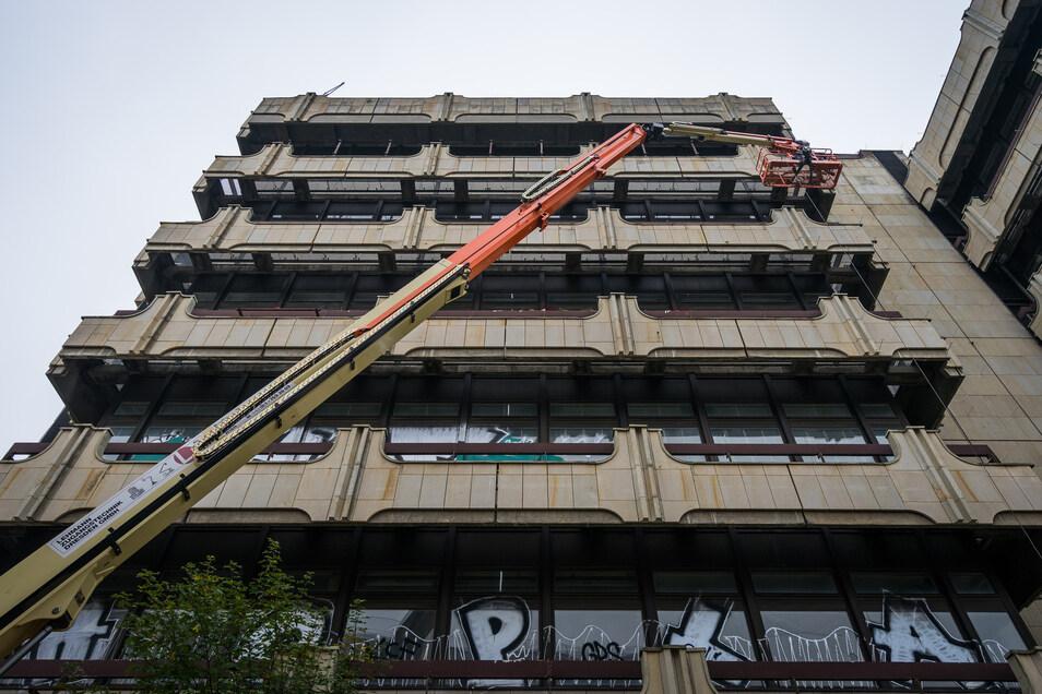 2015 begann der Abriss des ehemaligen Fernmeldezentrum am Postplatz.