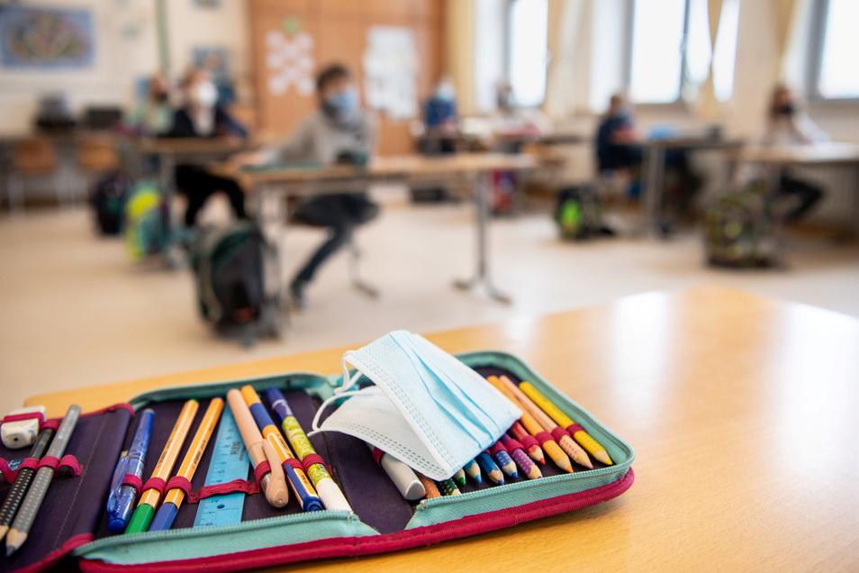 Weniger Notendruck, Masken und mehrere Tests pro Woche fordern Dresdner Eltern. Sonst müssten die Schulen geschlossen bleiben.