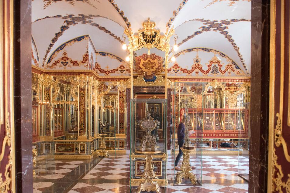 Das Juwelenzimmer im Historischen Grünen Gewölbe im Dresdner Schloss