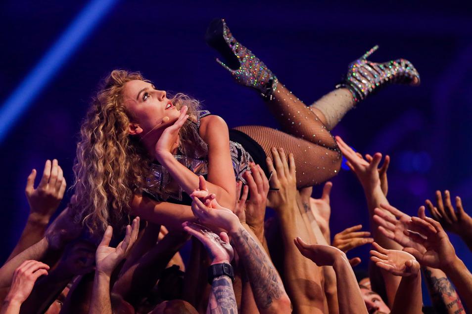 """Simone bei der finalen Show von """"Germany's Next Topmodel""""vergangenes Jahr."""