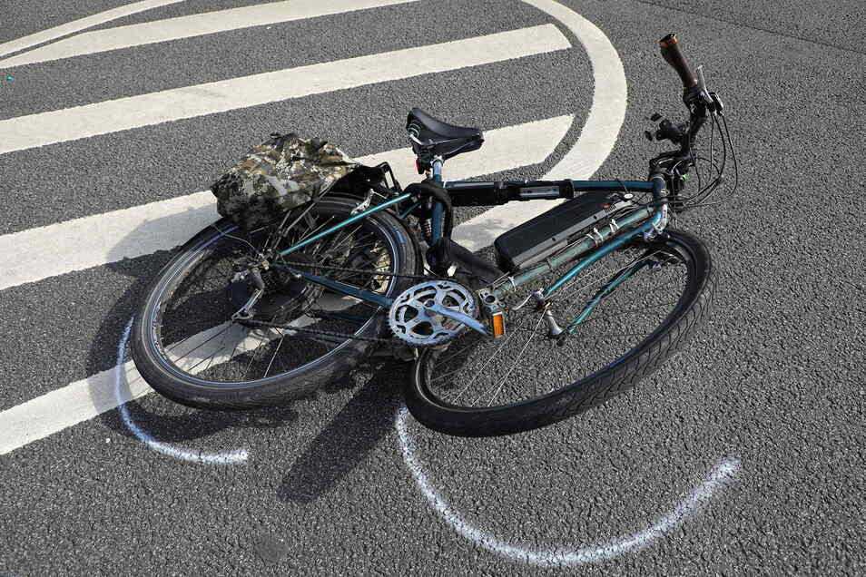Mit diesem Pedelec ist in Dresden ein 60-Jähriger gestürzt. Bei einem Bremsmanöver ist das Fahrrad vorn auseinandergebrochen.