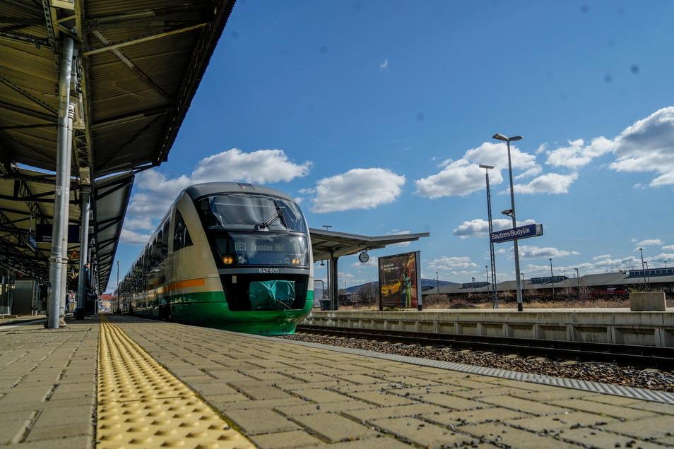 Die Zeit der Notfahrpläne auf den Bahnstrecken Dresden - Görlitz und Dresden - Zittau ist vorbei.