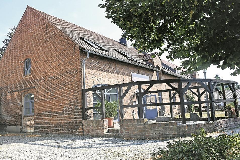In eine der beiden derzeit geschlossenen Gaststätten nahe des Gebäudes der Gemeindeverwaltung in Rietschen soll voraussichtlich im Oktober wieder Leben einziehen.
