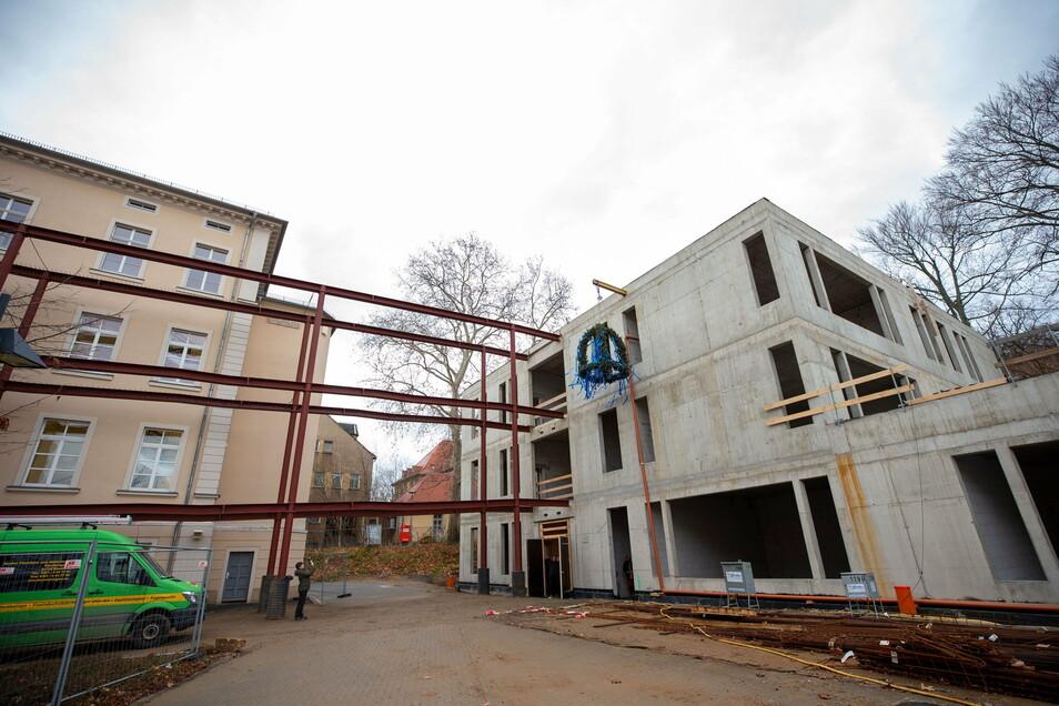 Schiller-Gymnasium in Pirna: Der Anbau soll 2021 fertig werden. Es ist eines der großen Vorhaben im neuen Haushalt.