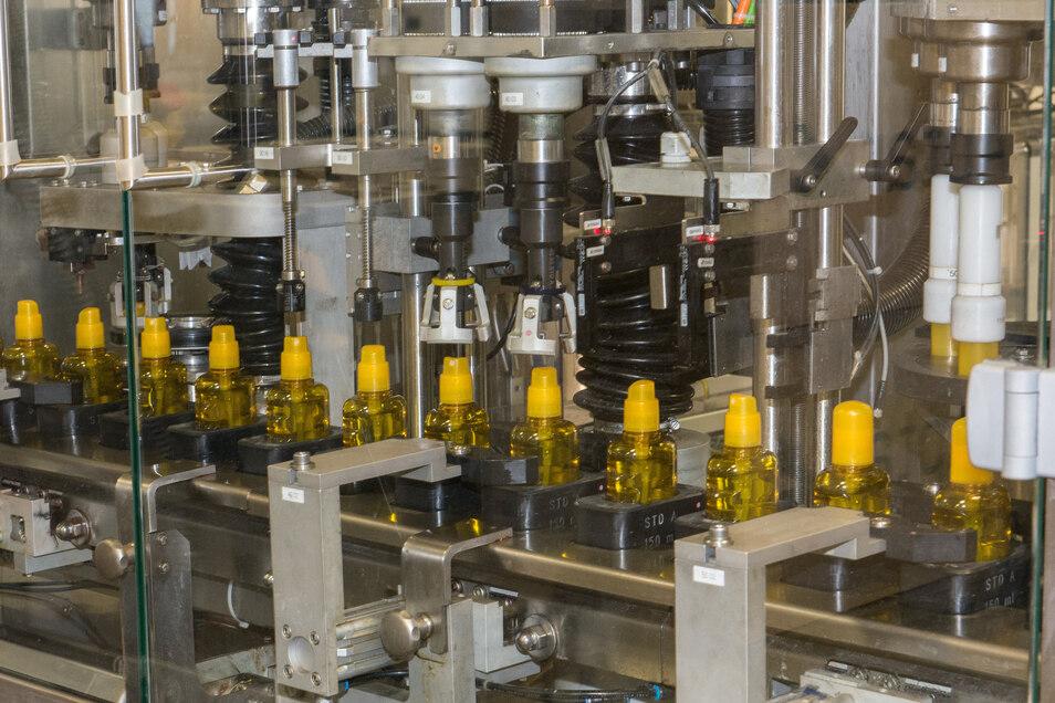 Innerhalb weniger Tage ist in Waldheim die Produktion von Desinfektionsmittel aufgenommen worden. In dem Werk herrschten dafür ideale Bedingungen.