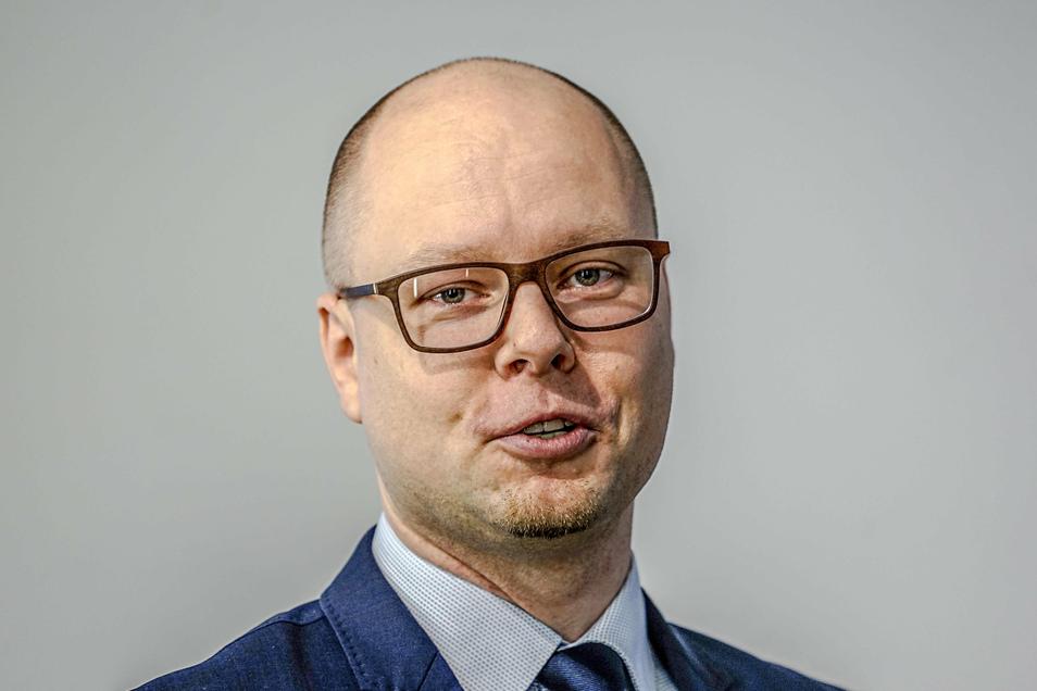 Dawid Statnik setzt sich sowohl in seiner Funktion als Vorsitzender des sorbischen Dachverbandes Domowina als auch als Kreisrat für die Belange der sorbischen Bevölkerung ein.