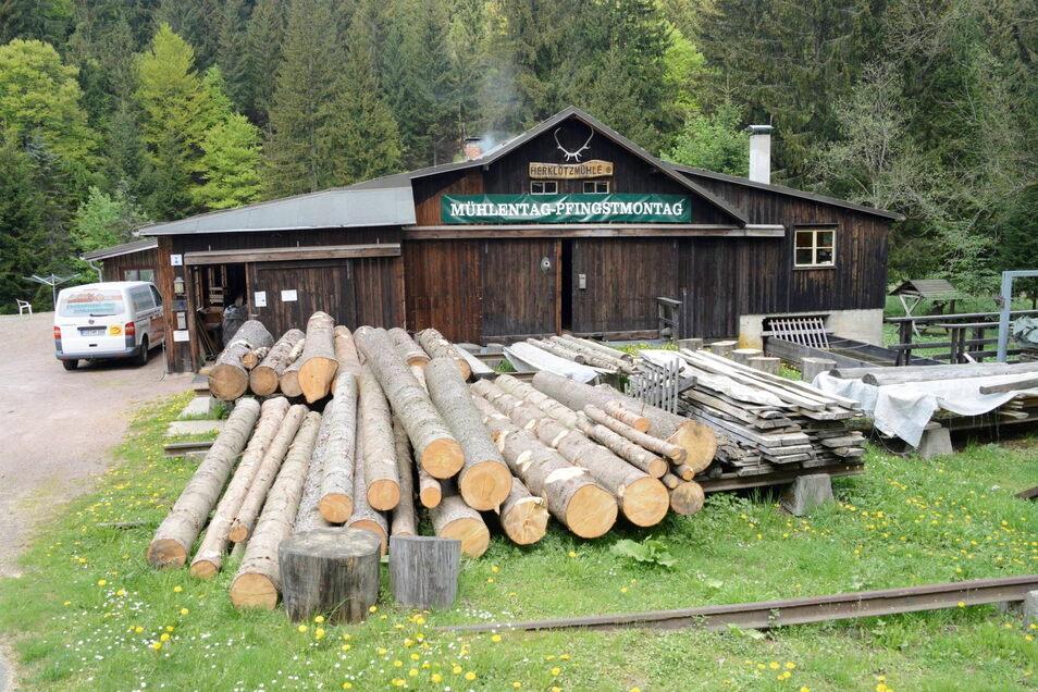 """Schon im 16. Jahrhundert lässt sich eine Mühle dieser Stelle nachweisen. Die Geschichte der Herklotzmühle geht Elke Zichner in den """"Kamingeschichten vom Mühlgeist"""" nach."""