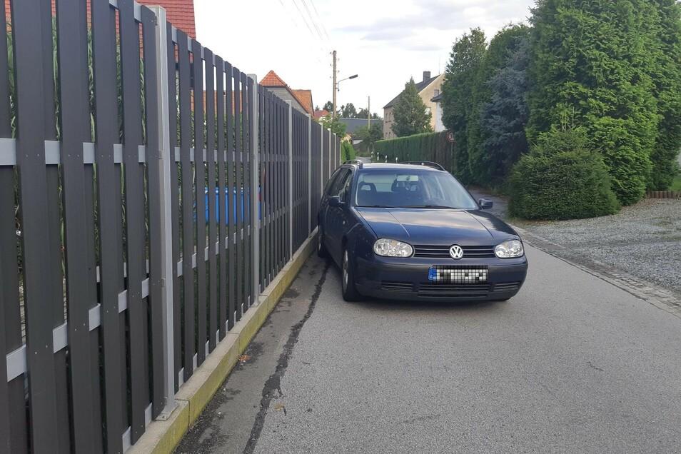Den Golf-Fahrer stellte die Bundespolizei in Ebersbach.