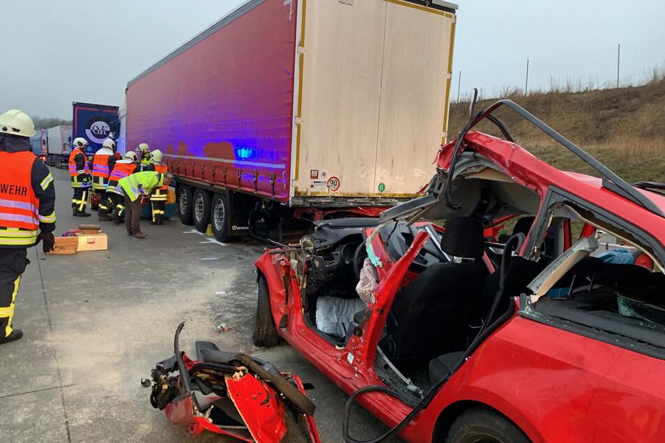 Der Skoda-Fahrer überlebte den Unfall nicht.